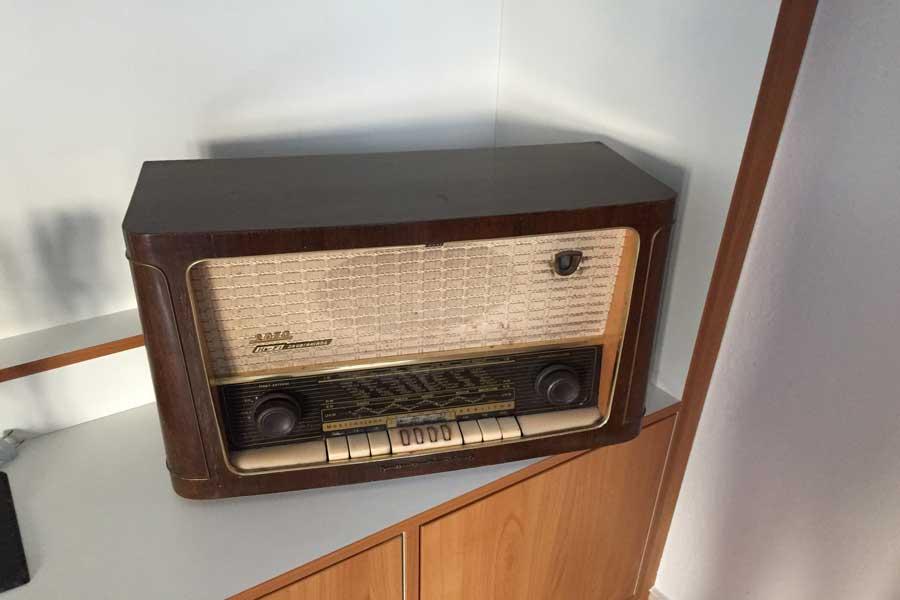 Kreta Radio, altes Radio