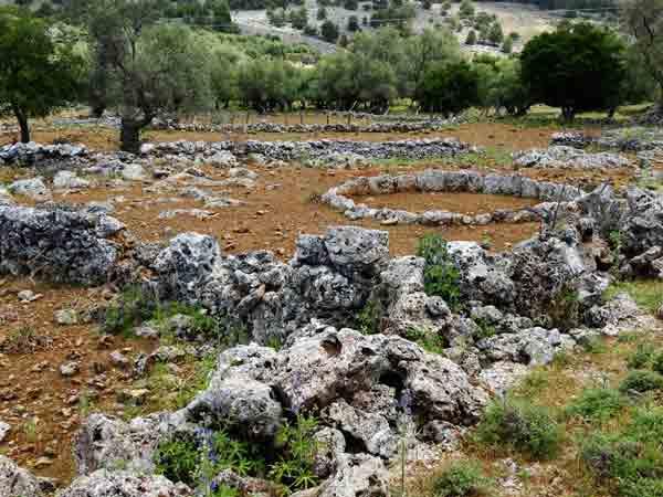Kreta Im Frühling, alte Dorfruinen